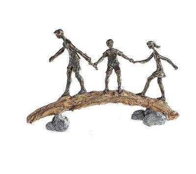 Beeldje een gezin in balanca VOORVERKOOP