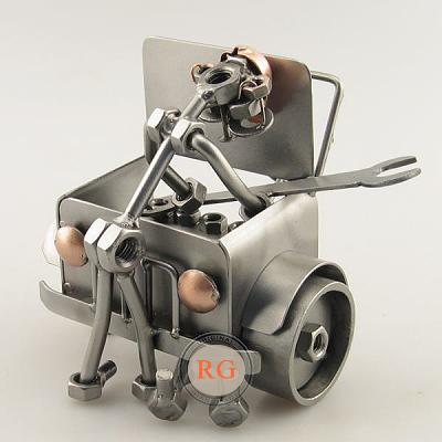 Automonteur met auto moerenmannetje
