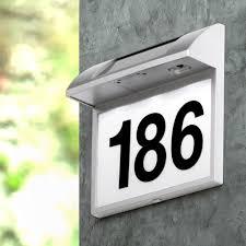 Solar wandlamp met huisnummer