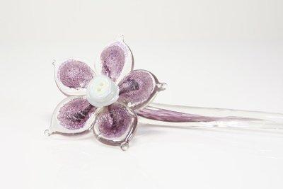 Bloem van glas paars