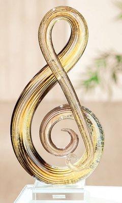 Beeldje glas muzieksleutel amber